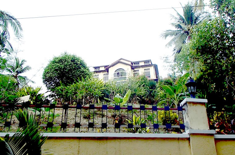 ザ マナー アットプエルトガレラ(The Manor at Puerto Galera)というホテルです。