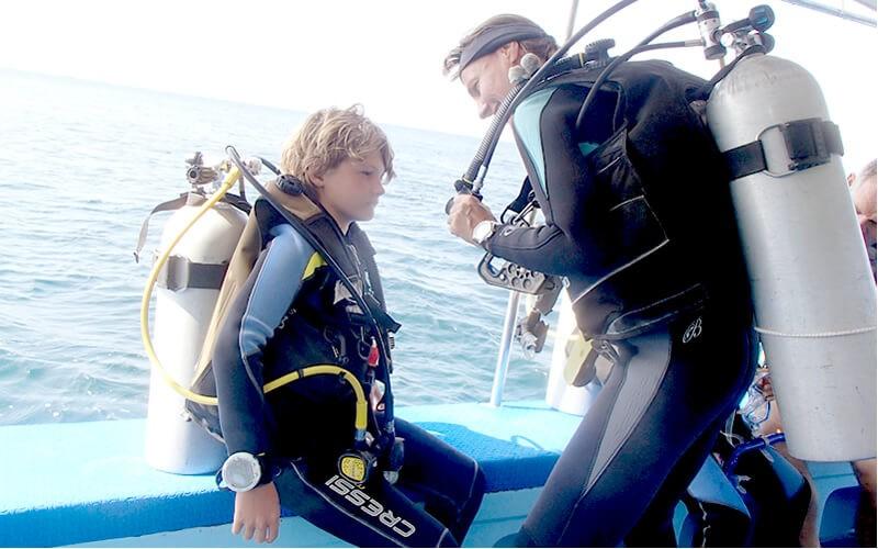 ジュニアオープンウォーター取りたて!11歳のふたりがはじめてのファイダイブ!in Sabang Point 2015/04/07