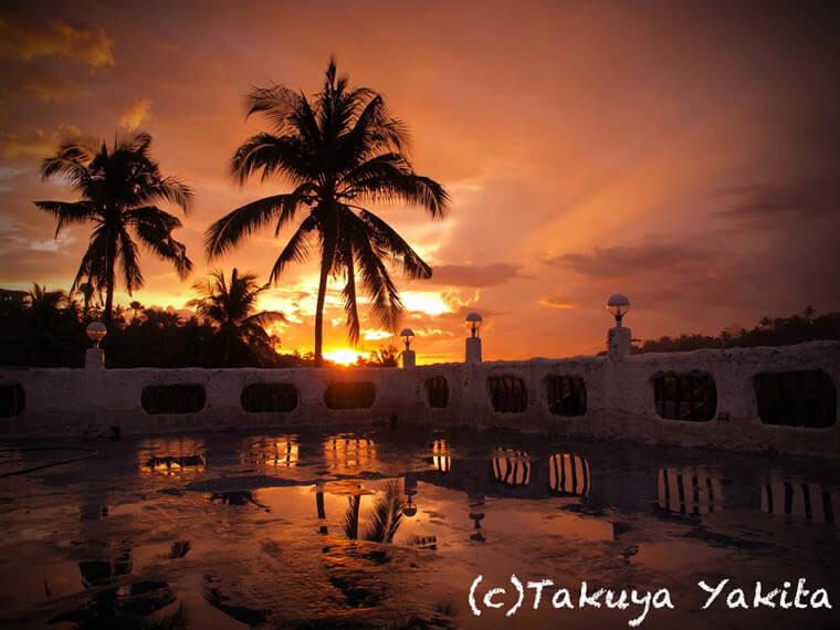 上の写真はオリエントパールリゾート屋上からの景色。雨期の夕立の後は空気もしっとり、最高です。