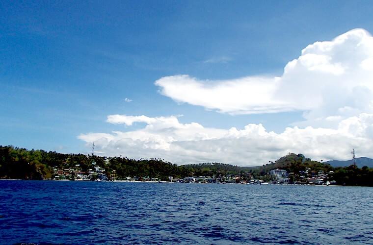 バンカーの水除けシートが外されたらこんな景色が見えてきます。プエルトガレラのサバンビーチは目の前です!