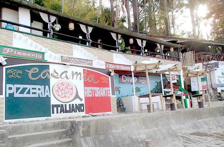 一軒目は「Casa Mia」というイタリアンレストラン。少し離れたアニヌアンビーチ(Aninuan Beach)にある「Casa Mia Resort」ホテルの系列店のようです。場所が異なりますがトリップアドバイザーの評判は良いです!クチコミはこちらから。