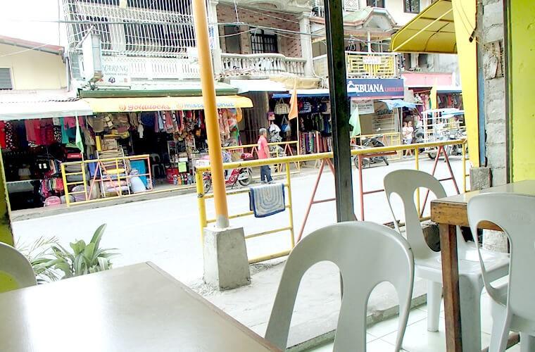 4-21度はトライしてみたいローカルレストラン。プエルトガレラ中心部のBurp Stationでフィリピンローカルフードを食べてみよう!