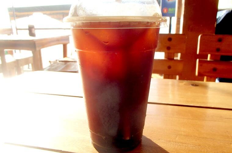 冷たーいキリッと濃い目のアイスコーヒー!ジリジリと暑い中を歩いたのでめちゃくちゃ美味かった・・。アメリカンのラージサイズで135ペソです。