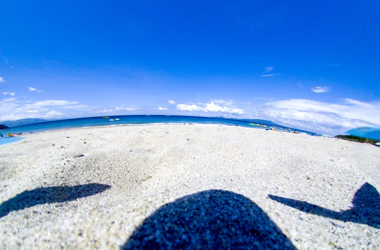 プエルトガレラのホワイトビーチからドローンが飛び立ちます!