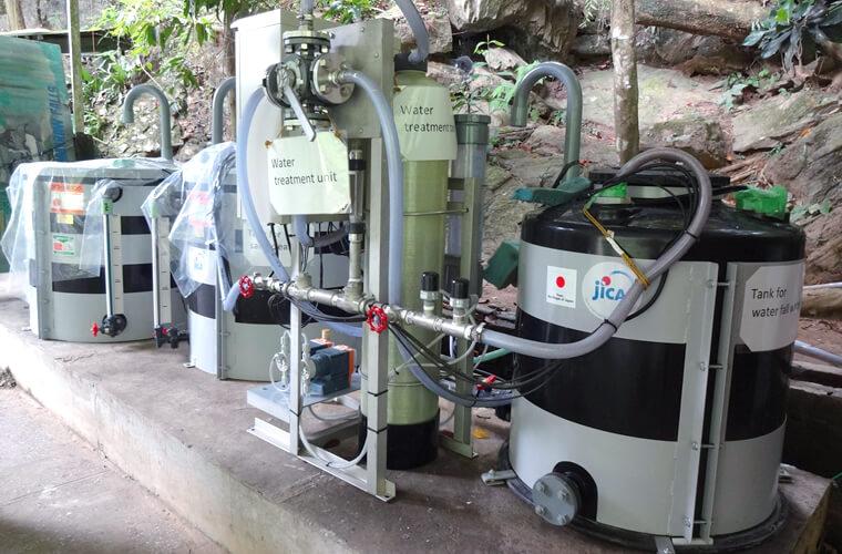 飲料水浄化装置・水の浄化タンクを設置することで滝の水が飲めるようになりました!