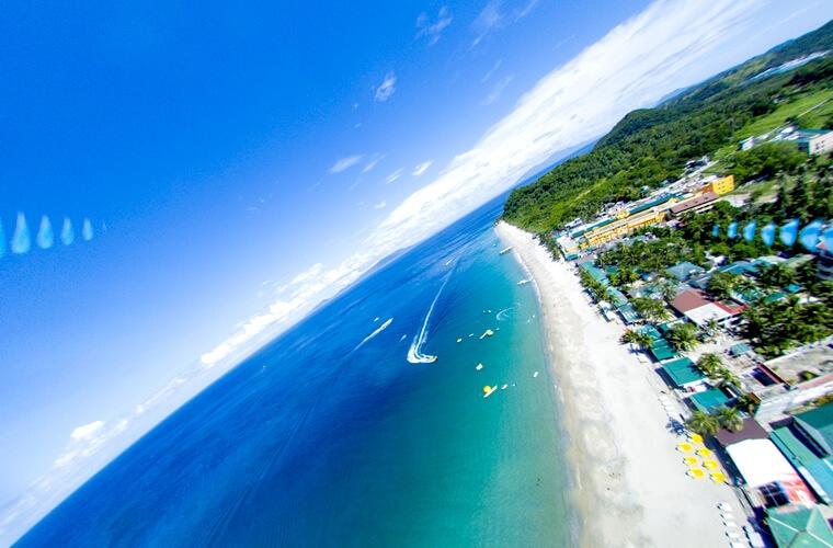 白い砂浜に青い海!人気のホワイトビーチを「ドローン」で撮影!空から眺めるフィリピンのプエルトガレラです。