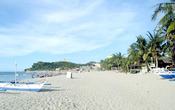 プエルトガレラのホワイトビーチの行き方|マリンレジャー・白い砂浜・きれいな夕日・オカマショーまで!ご家族でも!